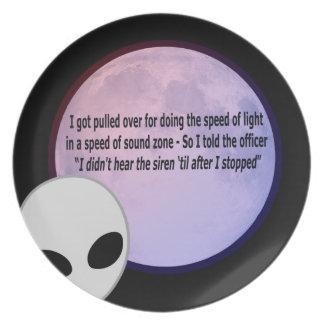 Alien Speed Joke.png Party Plates