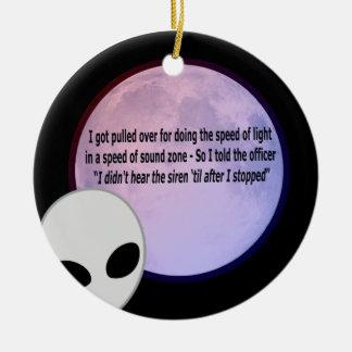Alien Speed Joke.png Round Ceramic Decoration