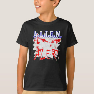 Aliens UFO spaceship flying saucer T-Shirt