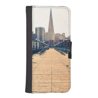 All roads lead to pyramid. iPhone SE/5/5s wallet case