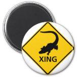 Alligator Crossing Highway Sign 6 Cm Round Magnet