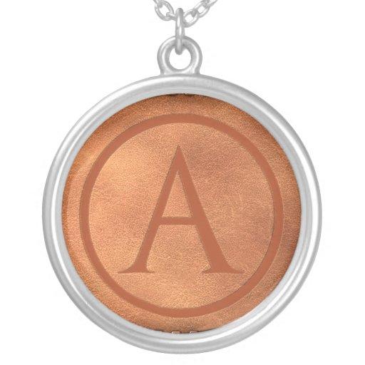 alphabet cuir lettre A Round Pendant Necklace