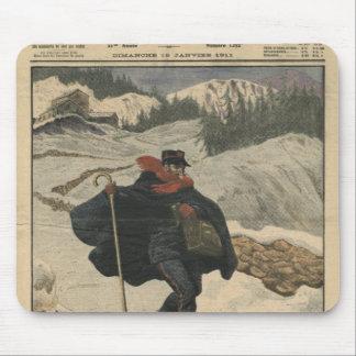 Alpine postmen using ski mouse mat