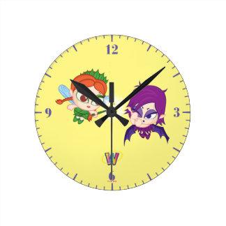 Alyssa Vs. Nafaria Round Clock