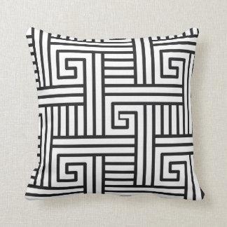 aMAZEing Cushion
