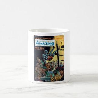 Amazing - 1965.01_Pulp Art Basic White Mug