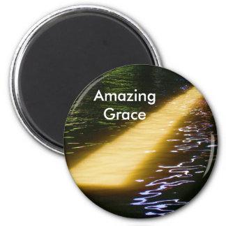 Amazing Grace: Enjoy and share the joy. 6 Cm Round Magnet