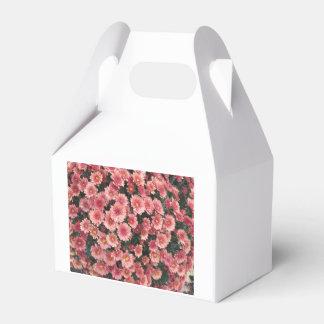 Amazing Pink Chrysanthemum Cluster Wedding Favour Box