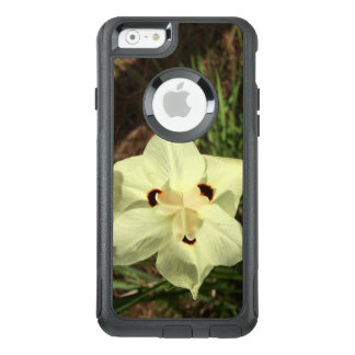 Amazing White Flower OtterBox iPhone 6/6s Case
