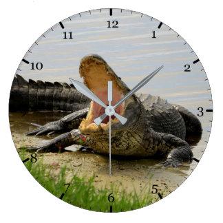 American alligator large clock