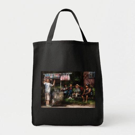 Americana - City - Buying Treats Bags