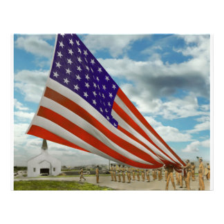 Americana - Fort Hood TX - Unfolding the flag 1944 21.5 Cm X 28 Cm Flyer
