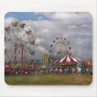 Americana - Travelling Carnival Mouse Pad