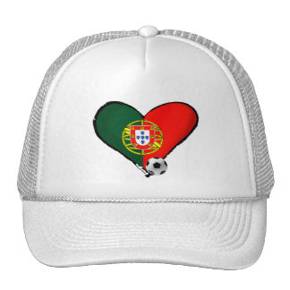 Amor, Portugal e Futebol - O que mais vôce quer ? Trucker Hat