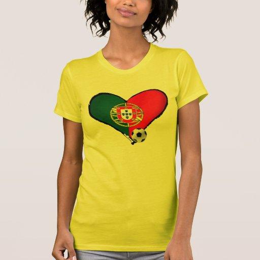 Amor, Portugal e Futebol - O que mais vôce quer ? T-shirts