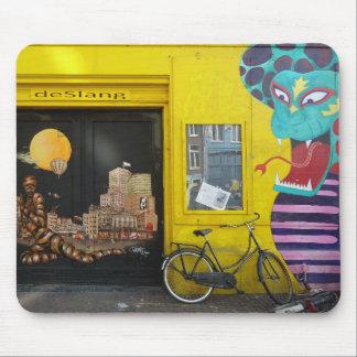 Amsterdam Graffiti Street Art Nr. 4 - Snake Mousepads