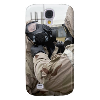 An Airman assists his wingman Galaxy S4 Case