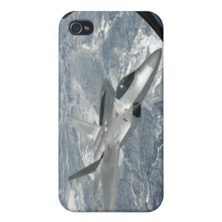 An F-22 Raptor banks away from a KC-135 iPhone 4/4S Case