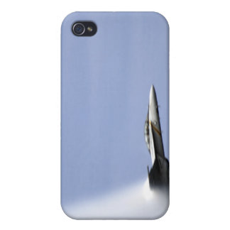 An F/A-18E Super Hornet reaches the speed of so iPhone 4/4S Case