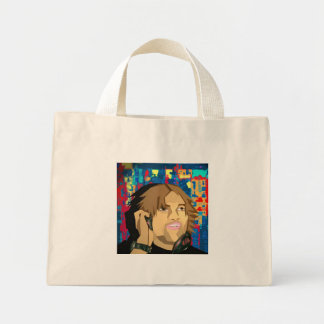 And the crowd goes... tote bag