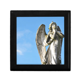 Angel praying small square gift box