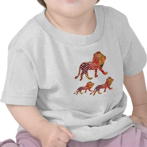 ANIMAL KINGDOM :  Painted Lion Family T Shirts