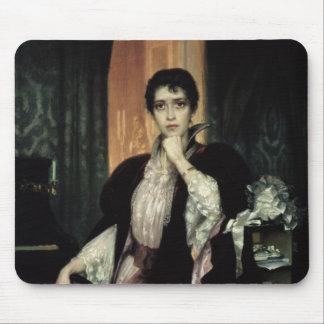 Anna Karenina, 1904 Mouse Mat