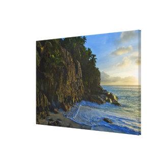 Ansi Victorin Beach 2 Canvas Print