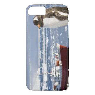Antarctica, Neko Cove (Harbour). Gentoo penguin iPhone 8/7 Case