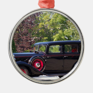 antique-car.jpg Silver-Colored round decoration