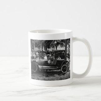Antique Car Wreck: 1922 Basic White Mug