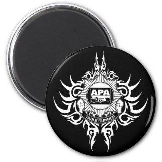 APA Table Runner Black and White 6 Cm Round Magnet