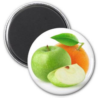 Apple and orange magnet