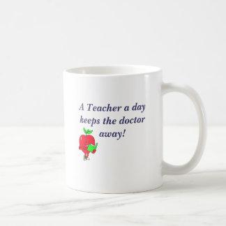 AppleRead, A Teacher a day keeps the doctor away! Basic White Mug