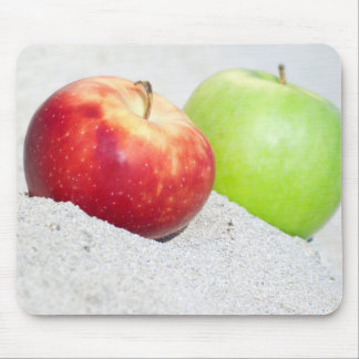 apples at sand mouse mat
