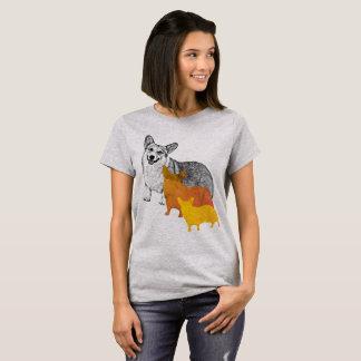 : aquacorg : Pop Art Corgi T-Shirt