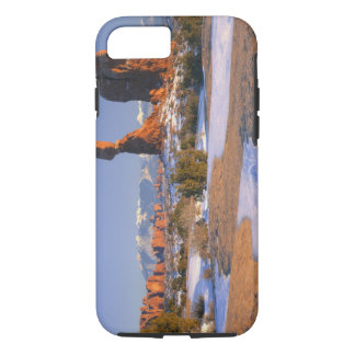 ARCHES NATIONAL PARK, UTAH. USA. Balanced Rock iPhone 8/7 Case