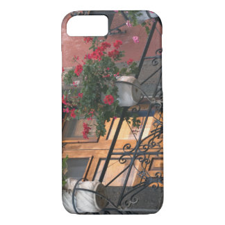 Architecture on the streets of San Miguel de iPhone 8/7 Case