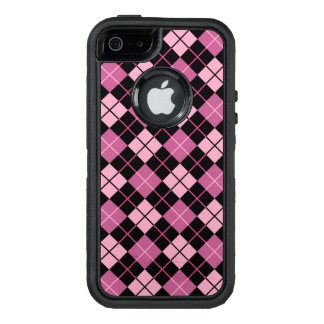 Argyle Pattern in Black and Pink OtterBox iPhone 5/5s/SE Case
