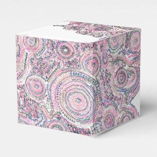 Arithmetic Mandara who has white triangle Favour Boxes
