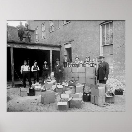ARMED PROHIBITION AGENTS SEIZE LIQUOR  1922 POSTER