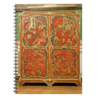 Armoire with four Chinoiserie red lacquer panels e Notebooks