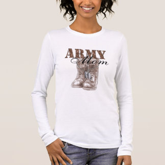 Army Mom Combat Boots N Dog Tags (Desert Camo) Long Sleeve T-Shirt