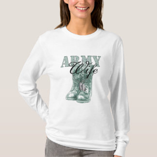 Army Wife Combat Boots N Dog Tags (Digital Camo) T-Shirt