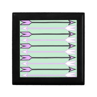 Arrow1.jpg Gift Box
