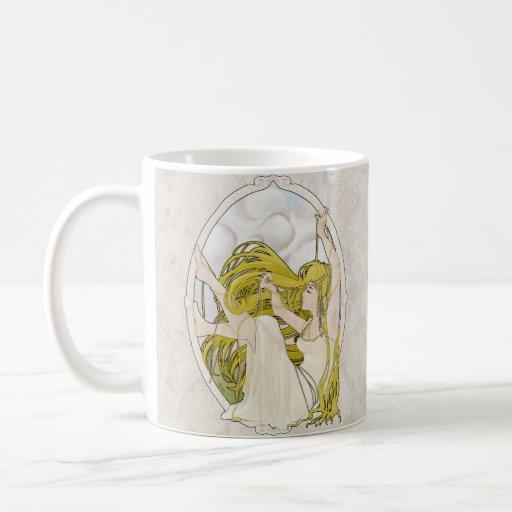 "Art Deco ""Pearls"" Mug"