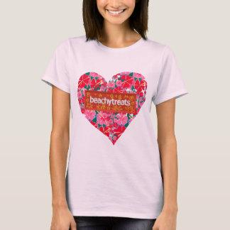 Art T-Shirt: Beachy Treats Hibiscus Heart T-Shirt