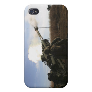 Artillerymen fire a 155mm round iPhone 4/4S cover