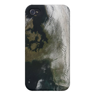 Ash plume from Eyjafjallajokull Volcano 2 Case For iPhone 4