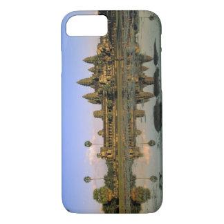 Asia, Cambodia, Siem Reap. Angkor Wat. 2 iPhone 8/7 Case